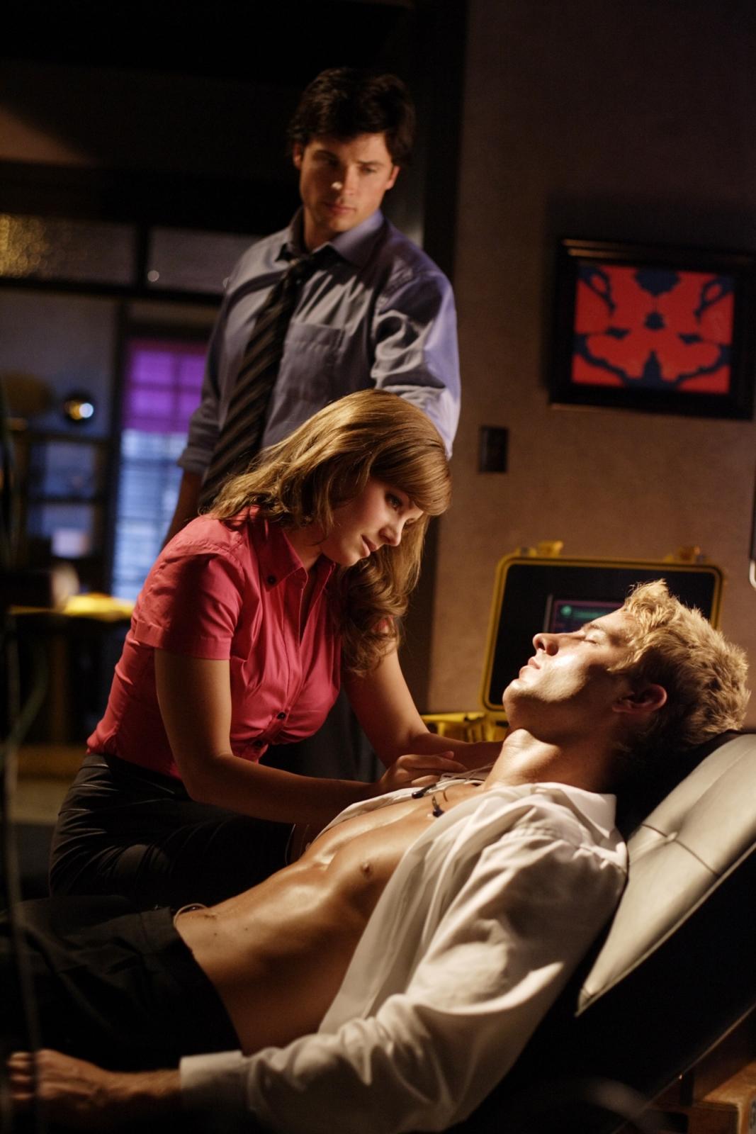 Smallville lois and clark start dating
