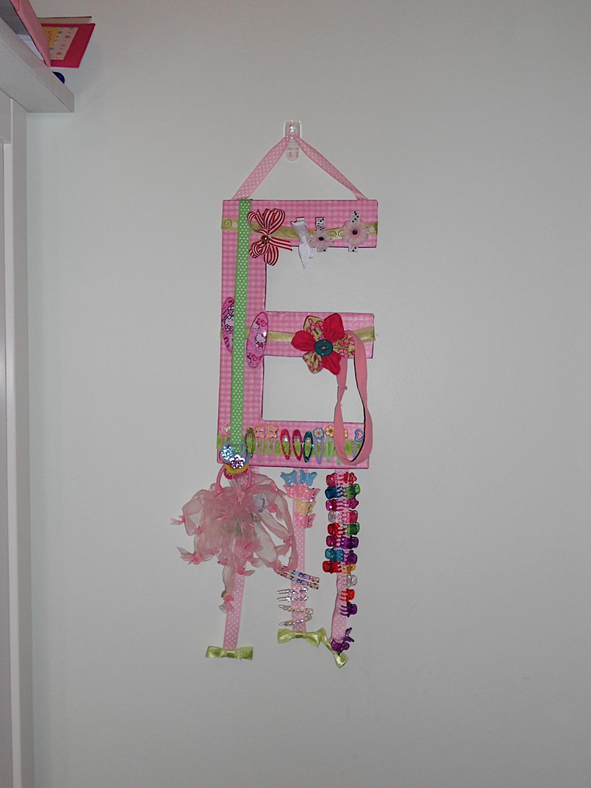 girl 39 s hair accessory organizer. Black Bedroom Furniture Sets. Home Design Ideas