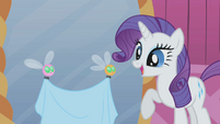 Rarity delighted by helpful parasprites S1E10