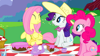 Fluttershy Rarity and Pinkie smiling at picnic S2E25