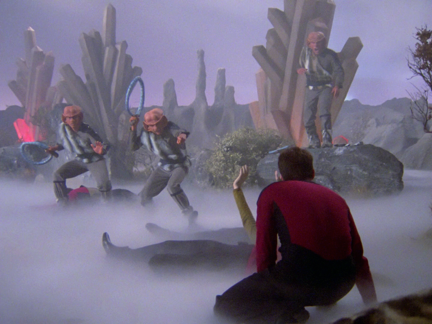 Riker_faces_Ferengi.jpg