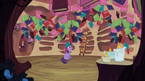 Twilight's books dropping S2E10