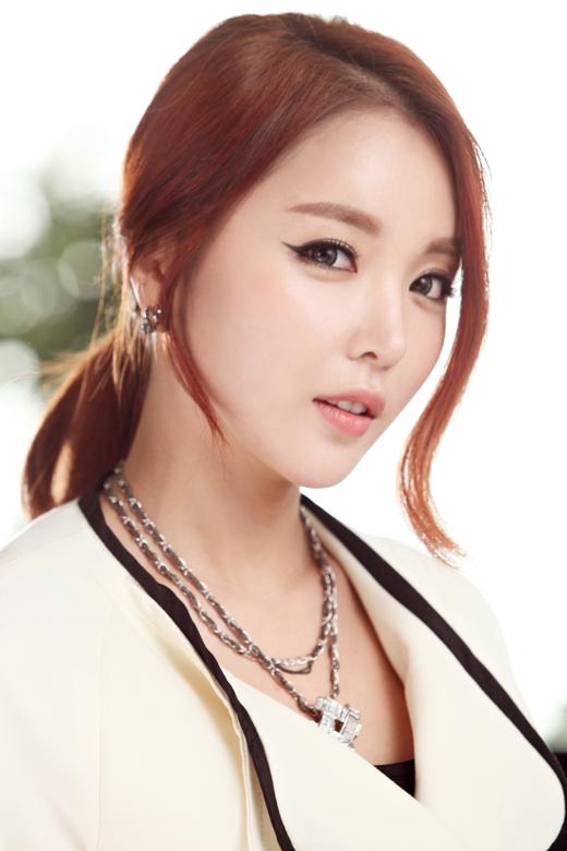 A nous les petites coréennes ! - Page 3 Hong_Jin_Young16