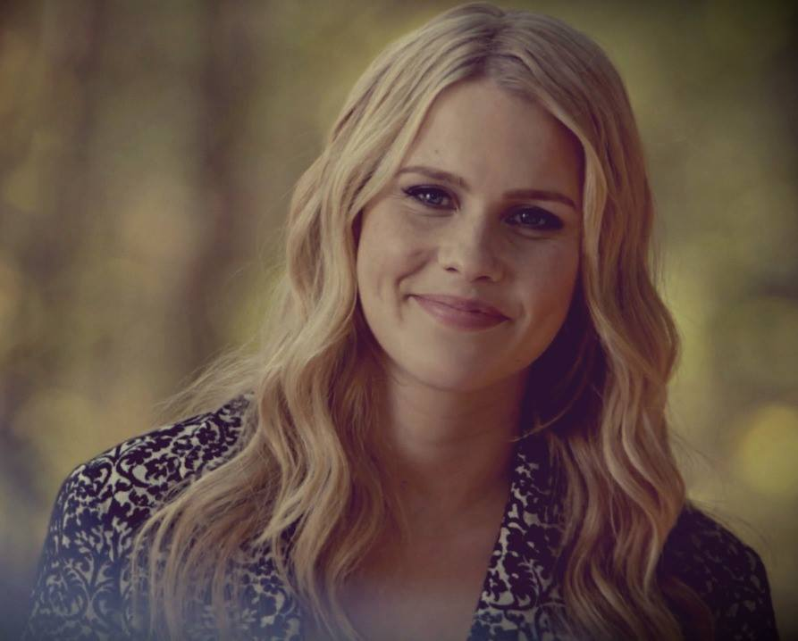 The Vampire Diaries | Rebekah has such GORGEOUS long ... |Rebekah Vampire Diaries Hair